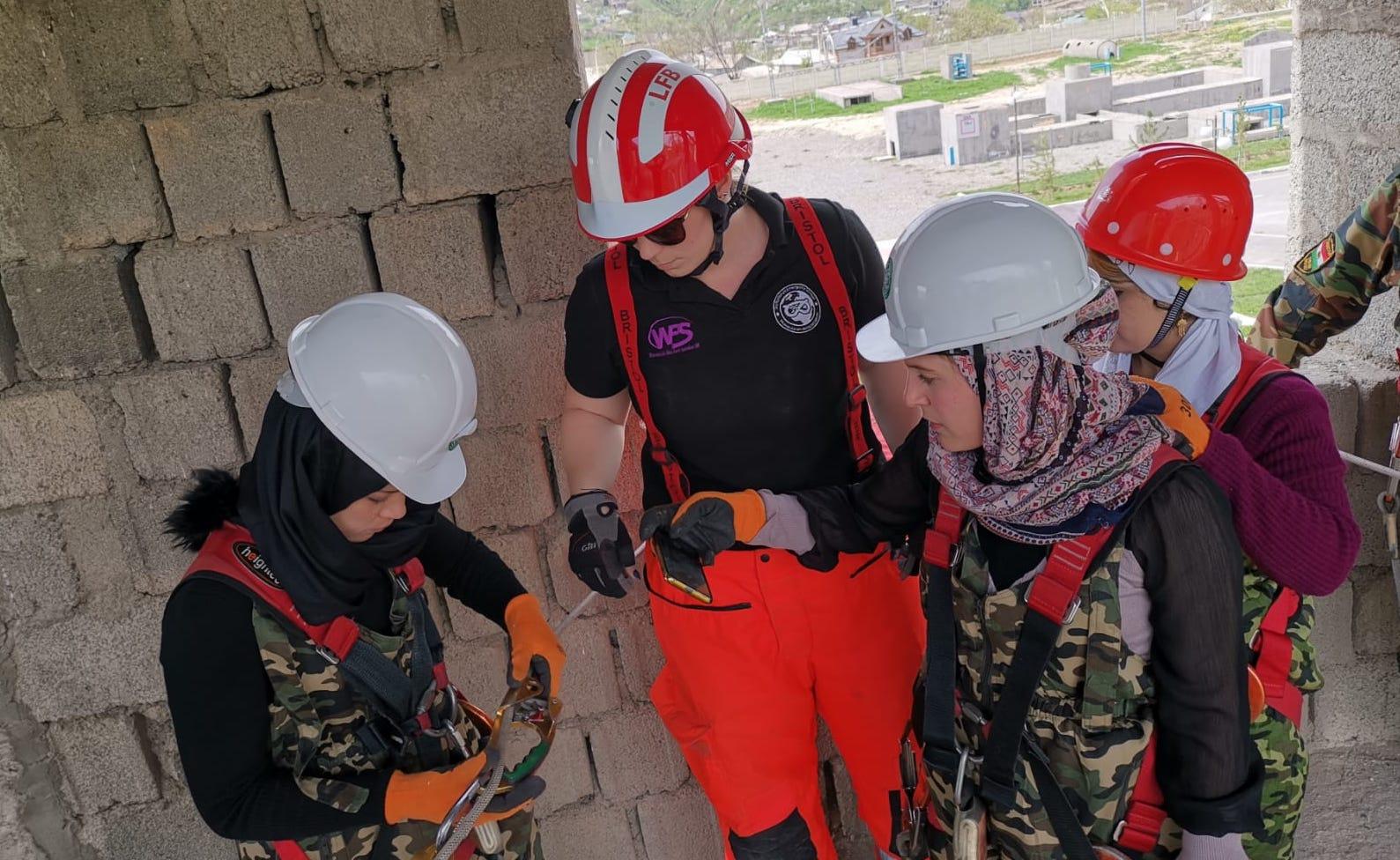 Instructors teaching line rescue